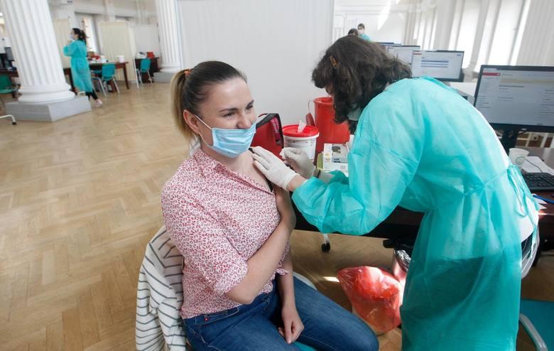 Ruszyła rejestracja na szczepienia w zakładach pracy