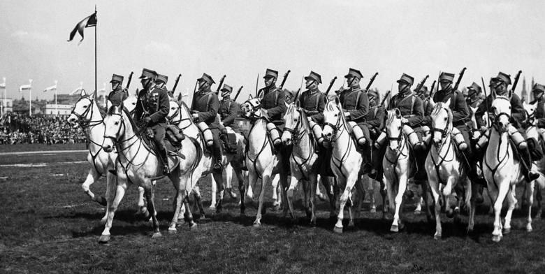 Również 3 Maja, tylko 1936 r. Defilada na Polu Mokotowskim