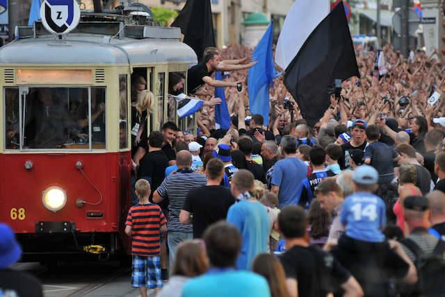 Czerwiec 2013 - triumfalny przemarsz po awansie Zawiszy do ekstraklasy