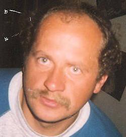Andrzej Bijata Urodzony 13.08.1963 r. w Gudowie, miejsce zamieszkania: Gudowo, gmina Drawsko Pom.Mężczyzna w dniu 04.09.2007 r. wypłynął łodzią na jezioro