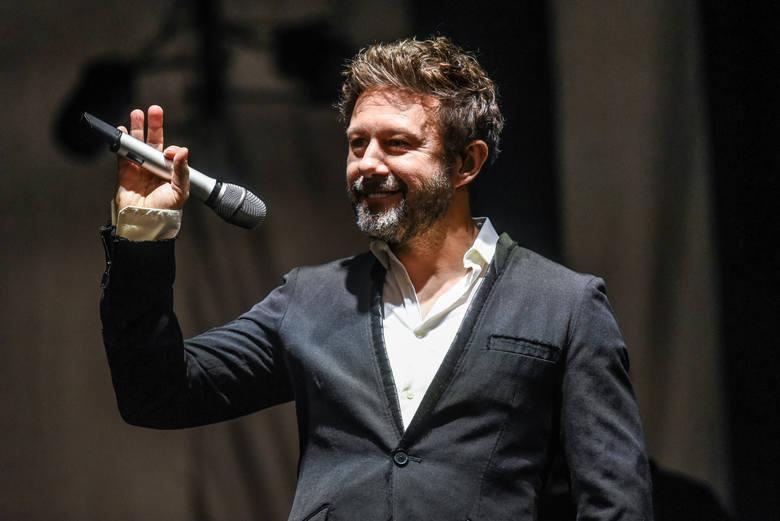 """W ten weekend czeka nas sporo ciekawych koncertów – zagrają m.in. Andrzej Piaseczny, Rycerzyki i PRO8L3M. Nie zabraknie też premiery """"Hamleta"""" Teatru"""
