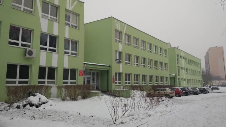 W Łodzi są 42 gimnazja miejskie.
