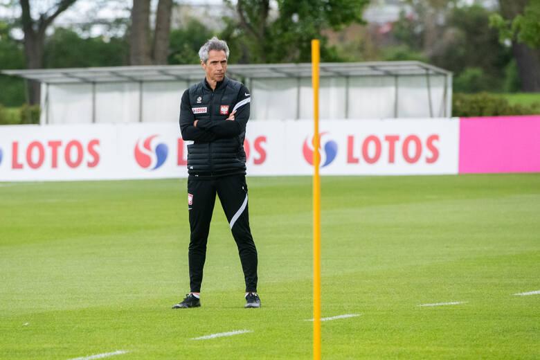 Portugalski szkoleniowiec objął naszą kadrę w styczniu 2021 roku, zastępując Jerzego Brzęczka. Do tej pory tylko raz miał okazję współpracować z reprezentacją