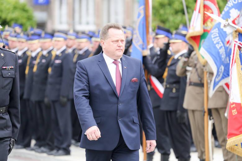 Jarosław Zieliński: Nie wiem, dlaczego nagle policjanci tak masowo chorują, może to jesienna pogoda