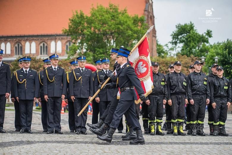 W piątek 31 maja na Rynku Miejskim im. Tadeusza Federa w Strzelcach świętowali strażacy z powiatu strzelecko - drezdeneckiego. Obchody Dnia Strażaka