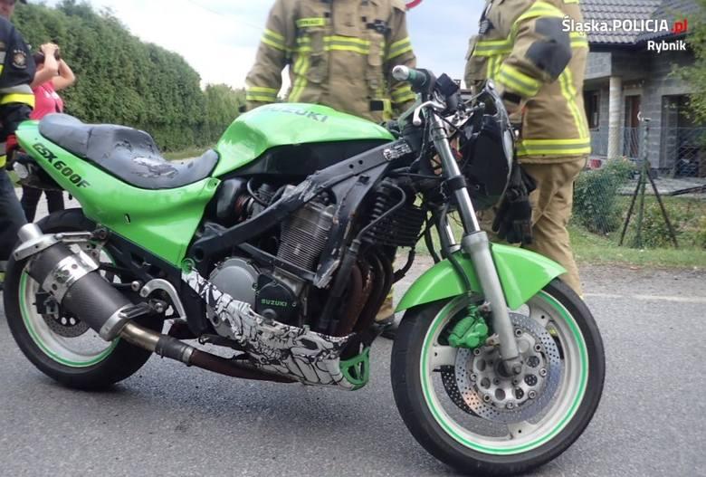 Pościg w Rybniku. Radiowóz uderzył w motocykl, gdy motocyklista zbliżał się do placu zabaw