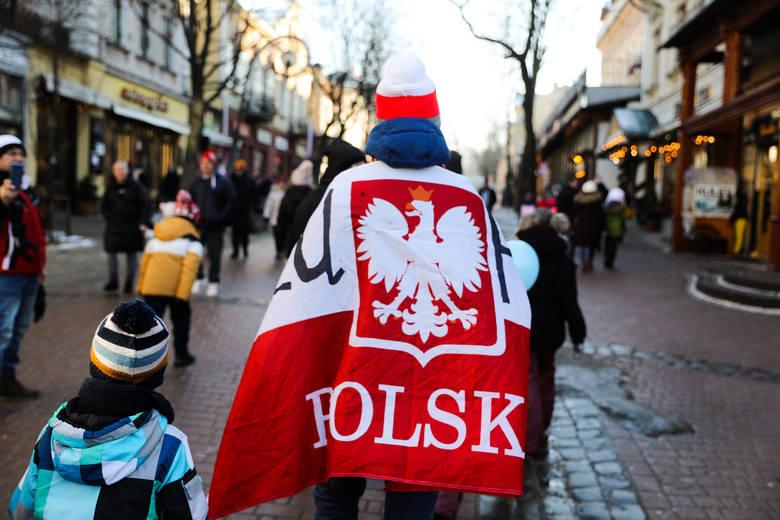 Kibice na ulicach Zakopanego przed sobotnim konkursem skoków Pucharu Świata 2020