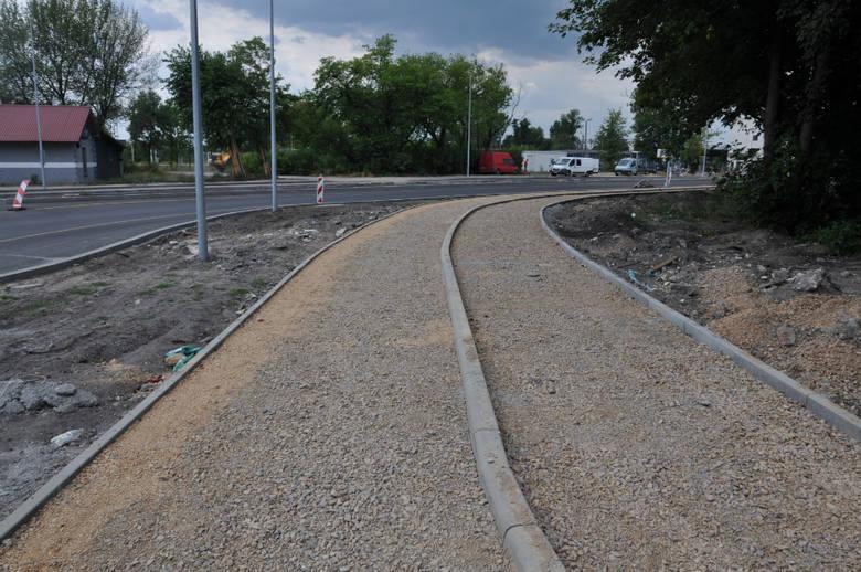 Częstochowa: centra przesiadkowe przy stacjach Osobowa, Stradom i Raków w budowie. Zdjęcia z sierpnia 2019