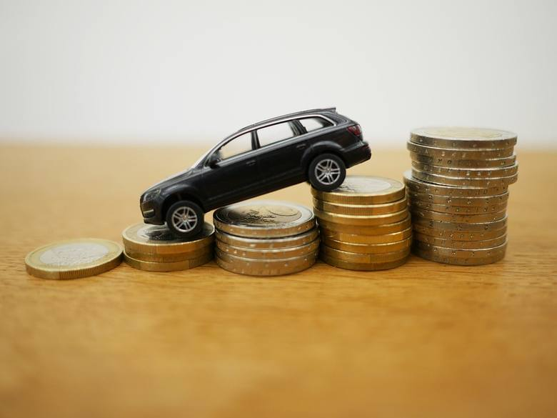 """Rynek cen OC ustabilizował się, a kierowcy płacą za ubezpieczenie coraz mniej – wynika z raportu kwartalnego """"Punkty"""" analizującego"""