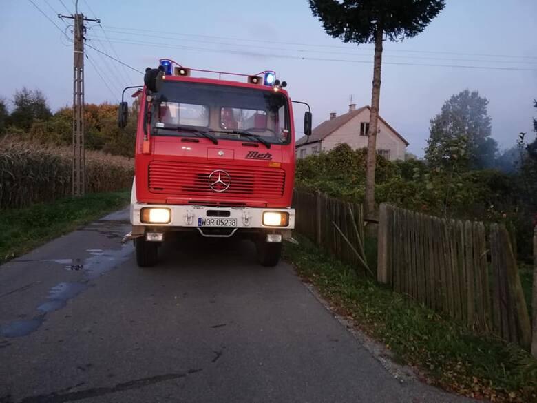 Strażacy z Wąsewa zostali zaalarmowani o godz. 05:31.
