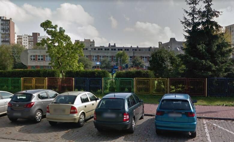 Policja wyjaśnia sprawę próby porwania lub uprowadzenia dziewczynki z placu zabaw w Sosnowcu. Informacje dotyczą incydentu prz SP 45 w Sosnowcu.