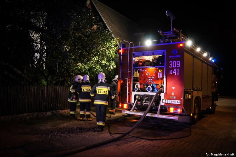 Supraśl: Pożar domu na ulicy Lewitówka. Wszystko przez uszkodzoną instalację elektryczną [ZDJĘCIA]