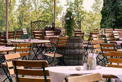 W sobotę, 15 maja będą mogły zostać otwarte ogródki przy lokalach gastronomicznych. Na ten dzień czekają restauratorzy, turyści i mieszkańcy Stalowej