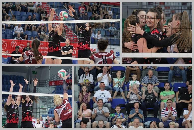 Turniej półfinałowy o awans do 1. ligi siatkówki kobiet we Włocławku.Mecz KS Spójnia Stargard - WTS KDBS Włocławek 2:3 (20:25, 27:25, 16:25, 25:22, 5:15)