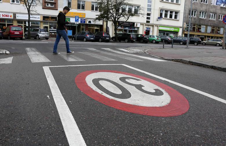 Ograniczenie prędkości do 30 km/h na większości ulic w dużych miastach? Jest taki pomysł