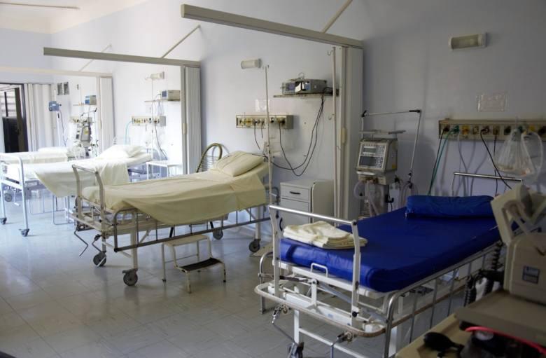 Student, który wypadł z okna akademika, wraca do zdrowia