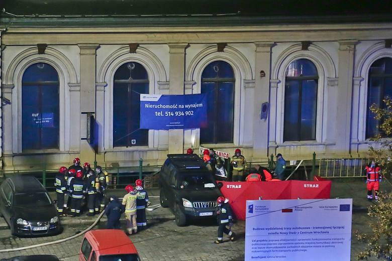Tragiczny pożar na Dworcu Świebodzkim. Jedna osoba nie żyje, dziewięć jest rannych [FILMY, ZDJĘCIA]