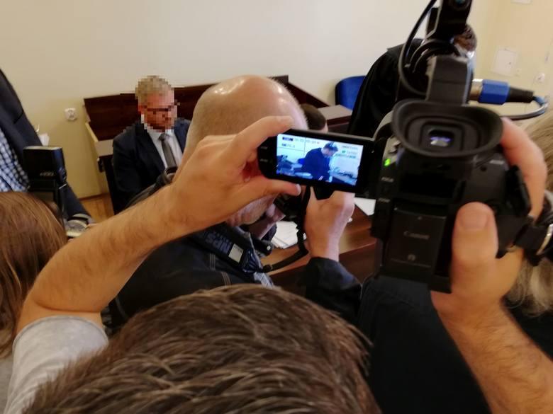 W Sądzie Rejonowym w Bydgoszczy rozpoczął się proces byłego radnego Bydgoszczy Rafała P. Mężczyzna jest oskarżony o znęcanie się nad żoną.***Zobacz także
