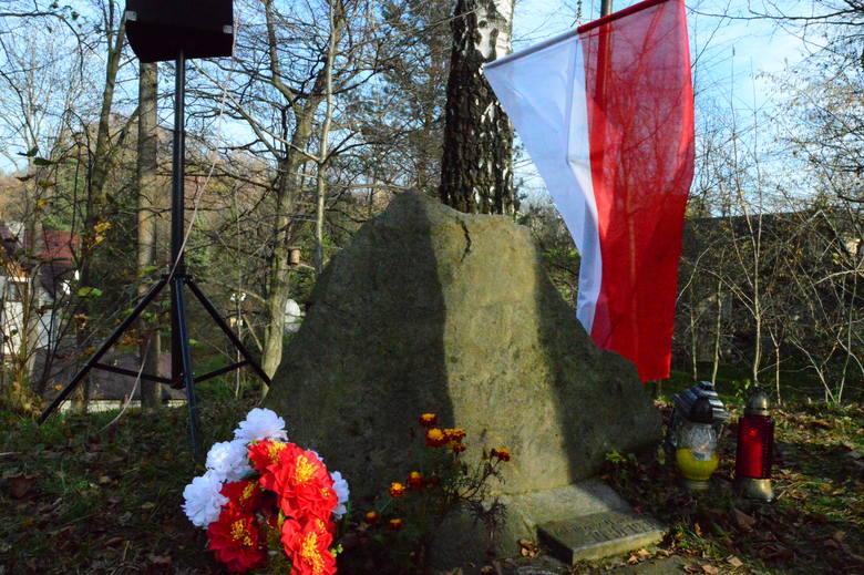 Osieczany. Rocznica urodzin marszałka Piłsudskiego. Uczniowie złożą kwiaty na kopcu