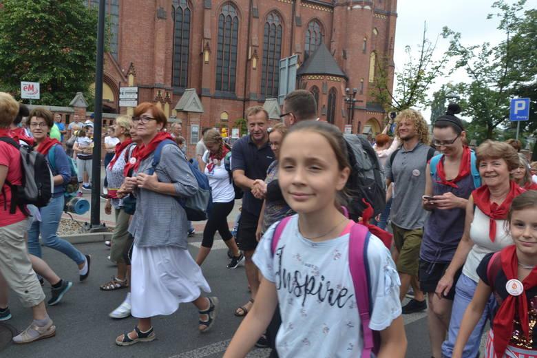 W środę, 31 lipca krótko przed godziną 10 wierni wyruszyli do Częstochowy spod Bazyliki pod wezwaniem św. Antoniego Padewskiego.