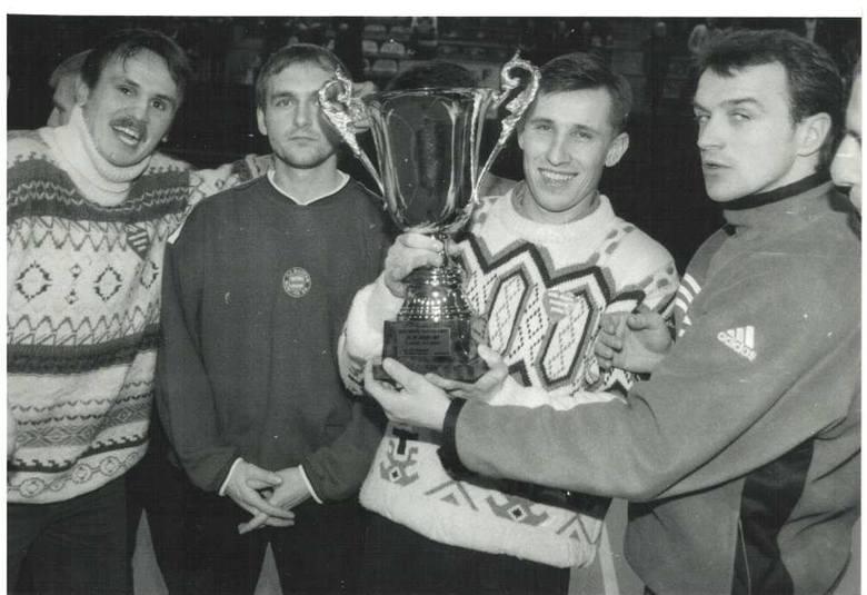 Byli piłkarze Radomiaka. Sylwester Sokół (z lewej), Dariusz Rysiewski i Robert Rogala.