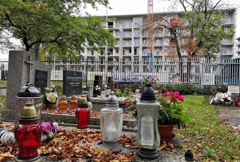 Budowa bloków przy cmentarzu Rakowickim