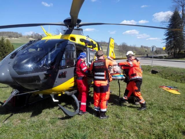 Mieszkanka Kuźminy koło Przemyśla doznała udaru mózgu. Wezwano śmigłowiec LPR [ZDJĘCIA, WIDEO]