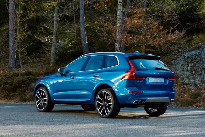 Dlatego aktualnie cennik otwiera wersja XC60 D4 190KM AWD Momentum za 184.500 złotych.