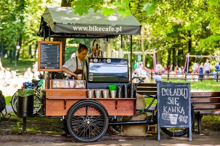 Pięć lokalizacji wskazało miasto przedsiębiorcom, którzy chcą w sezonie handlować jedzeniem i napojami w ścisłym centrum Torunia. W poprzednich latach