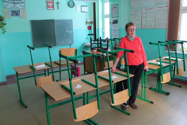 - Uczniowie będą musieli odrobić zaległe zajęcia przychodząc do szkoły, w którąś z sobót - mówi Anna Oczko, dyrektor szkoły.