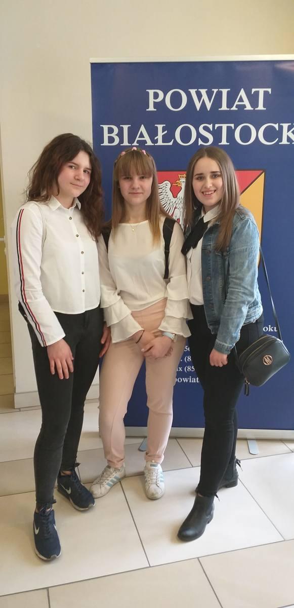 Nagroda sprawiła mi ogromną radość - mówi Julia Ciepielewska. wolontariuszka (pierwsza z lewej)