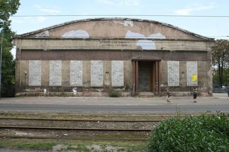 Hala Sportowa w Szopienicach. Pochodziła z początków XX wieku. W miejscu tym trenowali słynni sztangiści - mistrz świata i medalista olimpijski Marek