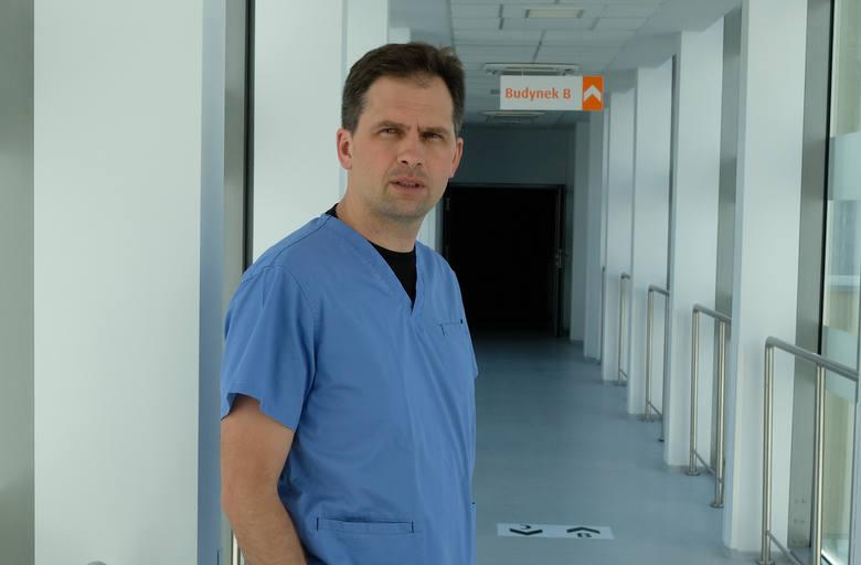 Dr Michał Zembala, kardiochirurg z Oddziału Kardiochirurgii, Transplantacji Serca i Płuc oraz Mechanicznego Wspomagania Krążenia Śląskiego Centrum Chorób