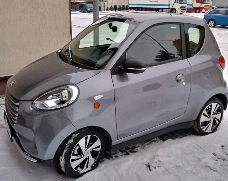Dzięki uprzejmości firmy Electric Vehicles Poland łomżyńskie MPK bezpłatnie testuje przydatność małego samochodu elektrycznego