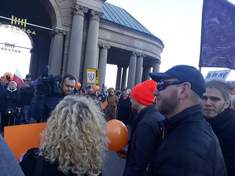 Wiec poparcia dla strajku nauczycieli na Wałach Chrobrego w Szczecinie