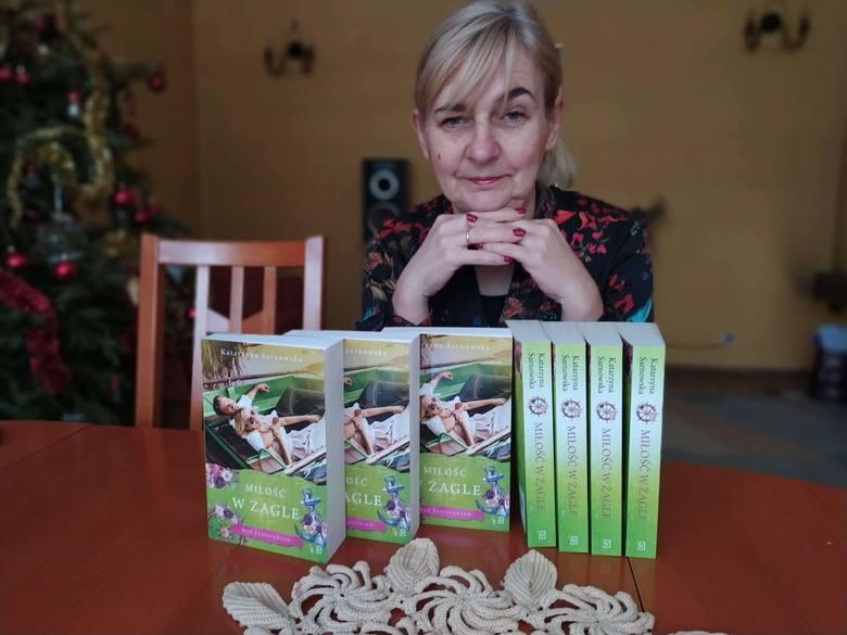 Katarzyna Sarnowska pochodzi z Włocławka. Pisarka wydała swoją kolejną powieść
