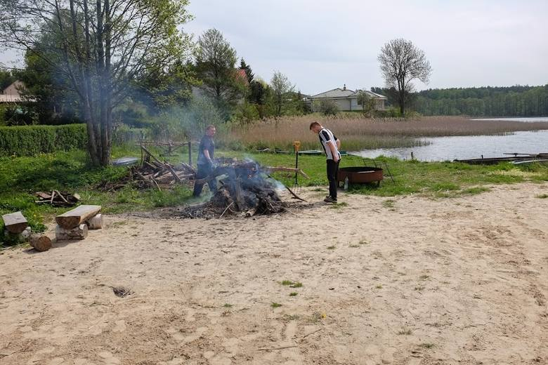 Do spalenia pozbierano tyle materiału, że starczy na niejedno ognisko jeszcze