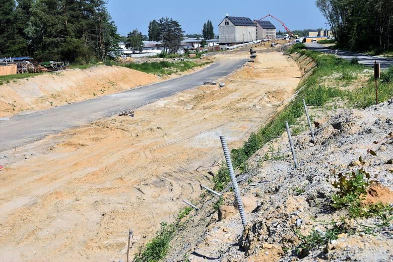 Budowa obwodnicy piastowskiej Opola. Drogowcy zaprzeczają, by w ziemi natrafiono na szczątki.