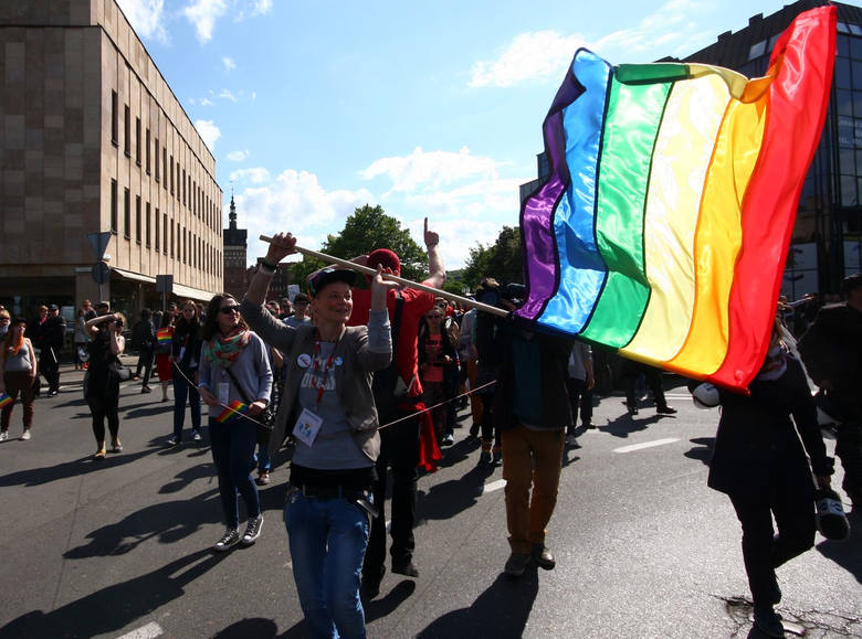 Marsz Równości pół godziny po manifestacji narodowców