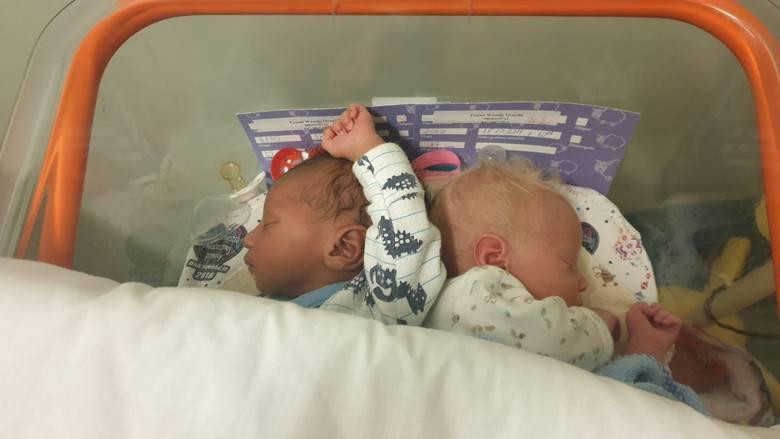 Bliźnięta o różnych kolorach skóry urodziły się w łódzkim szpitalu!