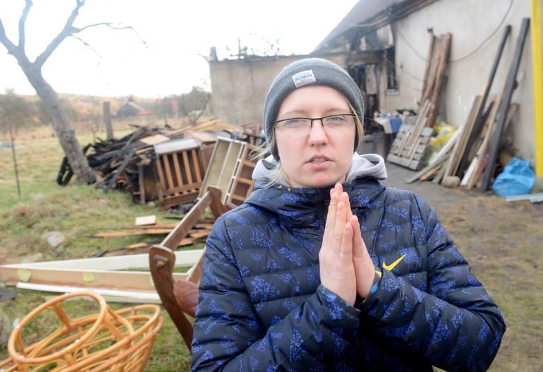Marek BiałowąsW miniony czwartek na ul. Odrzańskiej w Nowym Kisielinie strażacy próbowali uratować płonący dom. Przyczyną ognia było zwarcie instalacji