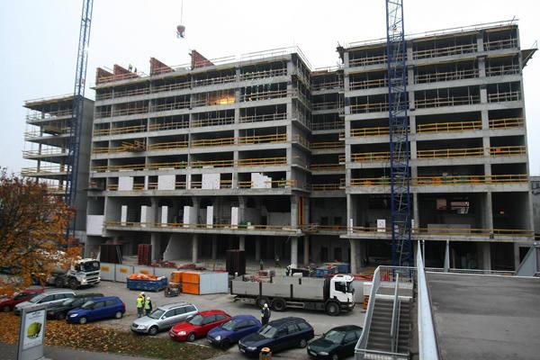 Hotel przy ul. Łąkowej, którego operatorem będzie DoubleTree by Hilton, błyskawicznie  pnie się  do góry.