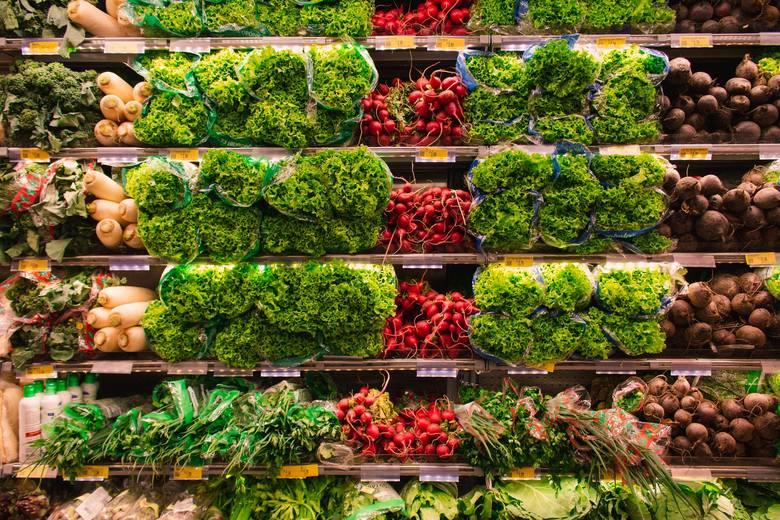 Plastikowa nakładka na wagęWarzywa i owoce kupowane w hipermarkecie ważymy na specjalnej, przeznaczonej do tego wadze. Czasem zdarza się, że na wadze