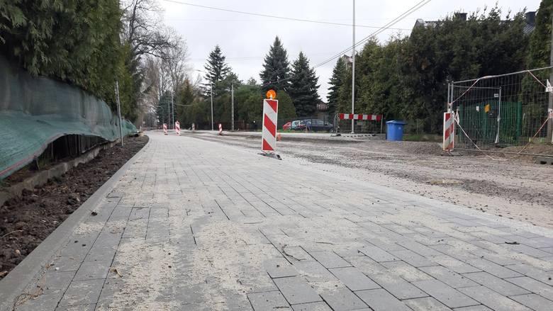 Trwa rozbudowa ul. Klasztornej na odcinku od ul. Żaglowej do ronda przy moście Wandy.