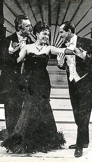 """Scena z operetki """"Wesoła wdówka"""" Franciszka Lehara."""