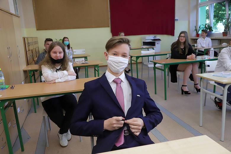 Egzamin ósmoklasisty czerwiec 2020 w SP 34 w Łodzi