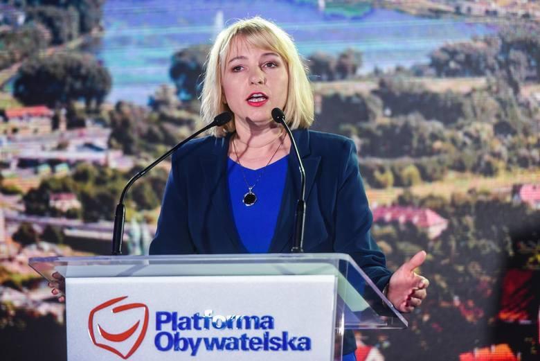 Kolejną debiutantką w Radzie Miasta będzie <strong>Katarzyna Kierzek-Koperska</strong>, czyli przewodnicząca Nowoczesnej w Wielkopolsce. Uzyskała ona 5 161 głosów, co dało jej siódmą pozycję na liście radnych z największą liczbą głosów. <br /> <br /> Niewykluczone, że Katarzyna Kierzek-Koperska zrzeknie...