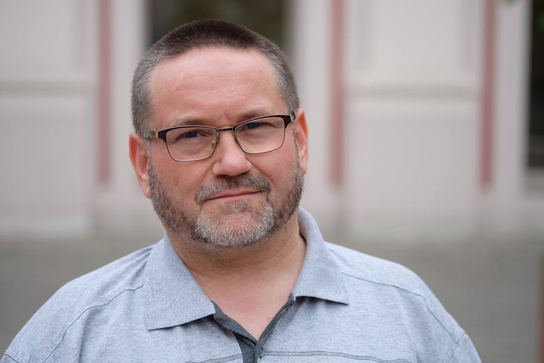 <strong>Przemysław Alexandrowicz</strong> jest obecnym radnym PiS, przewodniczącym Komisji Oświaty i Wychowania oraz wiceprzewodniczącym Komisji Rodziny. W wyborach otrzymał 5 058 głosów, co dało mu ósmą pozycję. <br /> <br /> <strong>Którzy radni dostali najwięcej głosów? Sprawdź ---></strong><br />