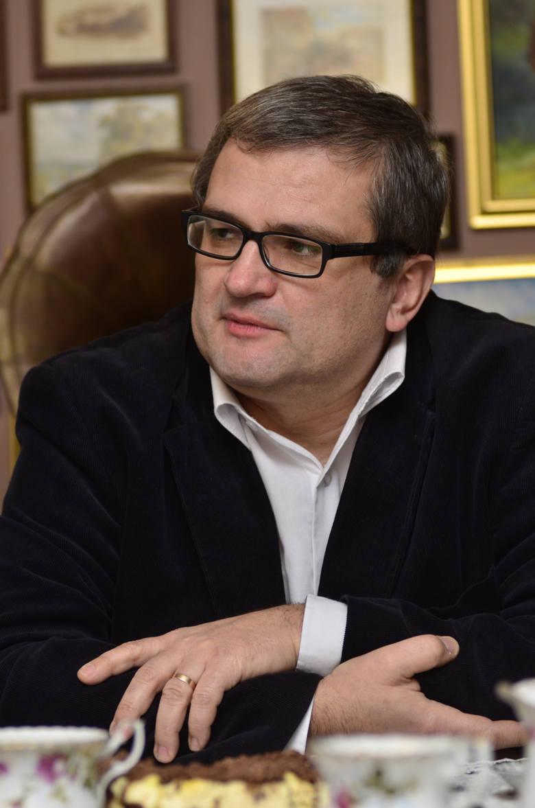 <strong>Michał Grześ</strong> to wieloletni radny PiS, a jednocześnie wiceprzewodniczący Rady Miasta Poznania. W tegorocznych wyborach otrzymał 5 338 głosów.<br /> <br /> <strong>Którzy radni dostali najwięcej głosów? Sprawdź ---></strong><br />