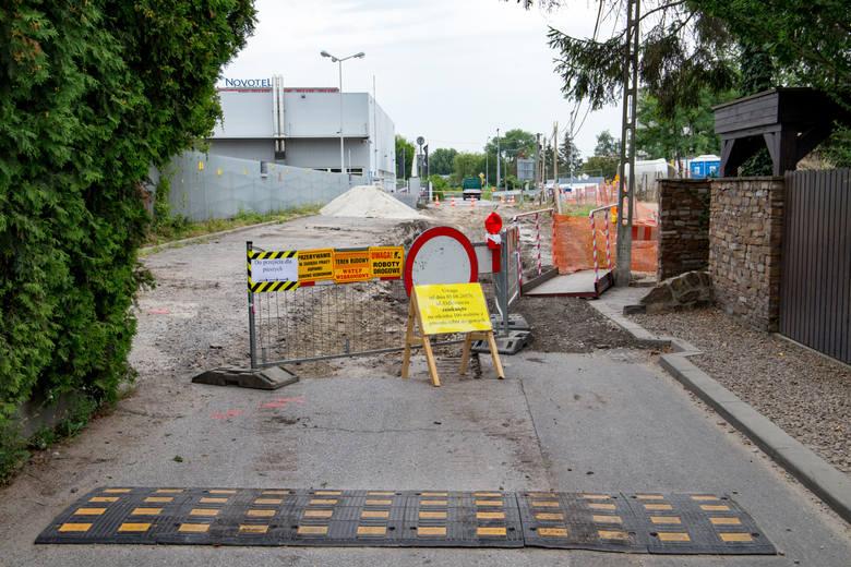 Mieszkańcy alarmują, że na ul. Odlewniczej piesi nie czują się bezpiecznie. Ta ulica była remontowana w 2017 r. (na zdjęciu), ale brakuje tam odpowiedniej